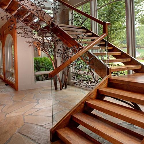 täispuidust trepid